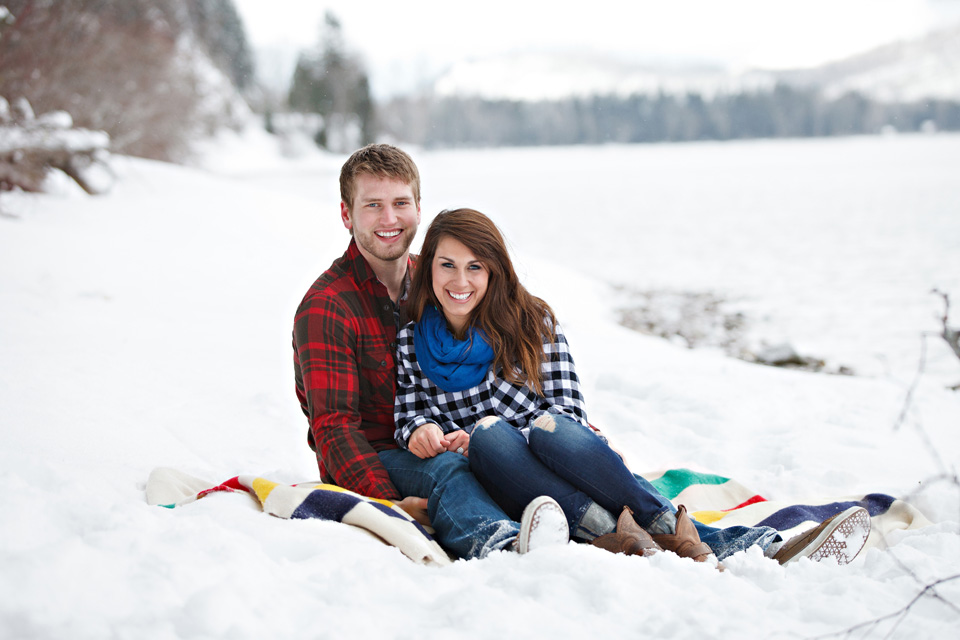 Cozy engagement session in Glacier National Park