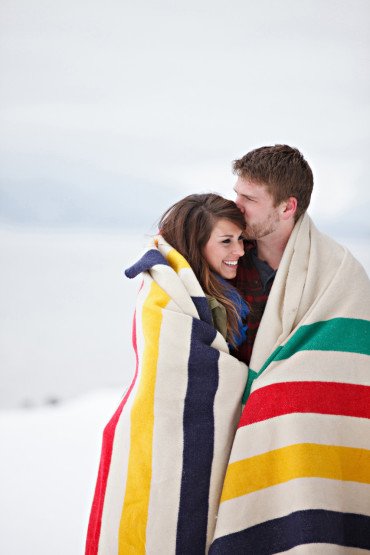 Cozy and wintery engagement session