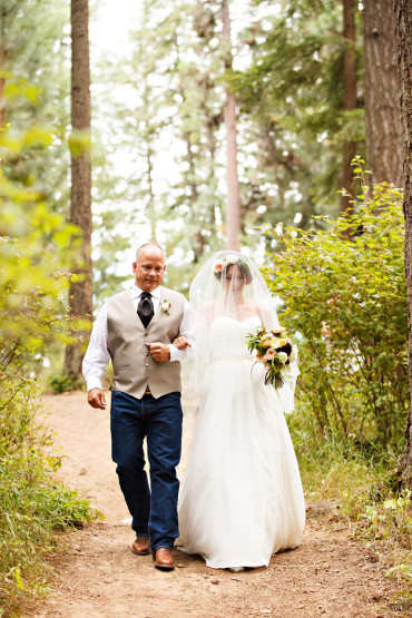 Best wedding moments when dad walks daughter down the aisle