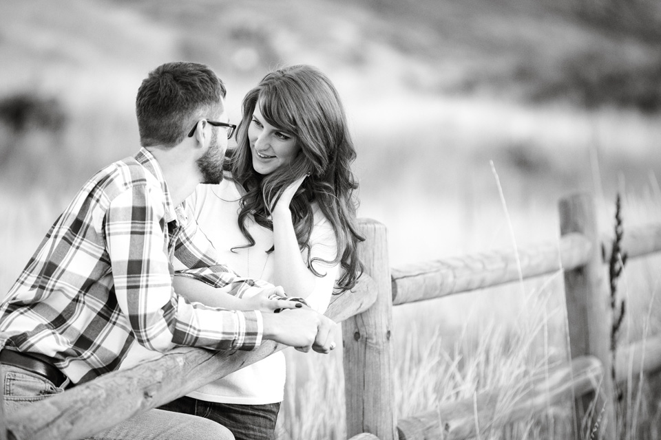 Molly & Zach Engagement Pictures in Colorado
