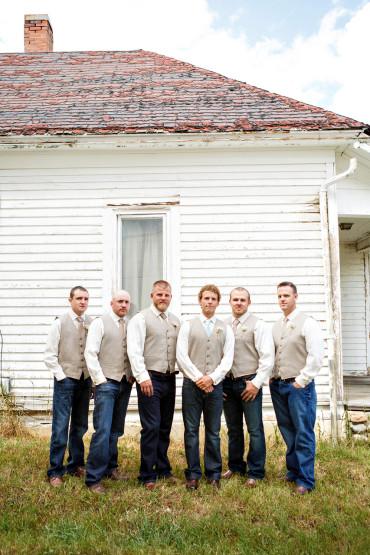 Groomsmen Montana wedding pictures